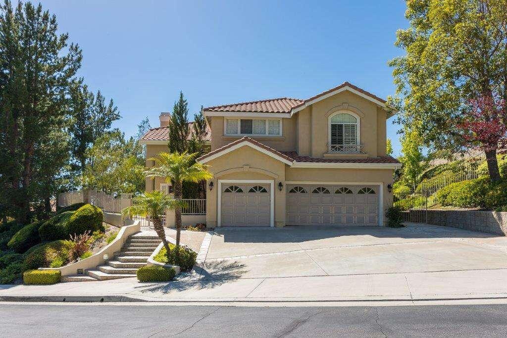 Single Family for Sale at 32181 Weeping Willow Rancho Santa Margarita, California 92688 United States
