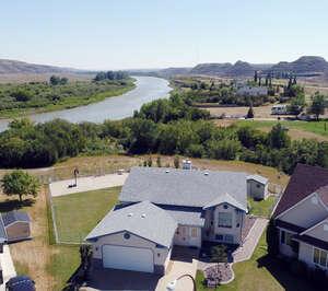 Featured Property in Drumheller, AB T0J 0Y5