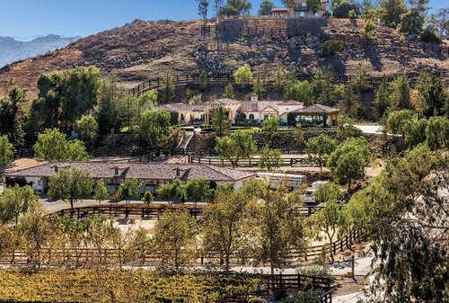 Single Family for Sale at 39473 Avenida Bonita Murrieta, California 92562 United States