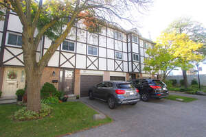 Featured Property in Mississauga, ON L4X 2T2