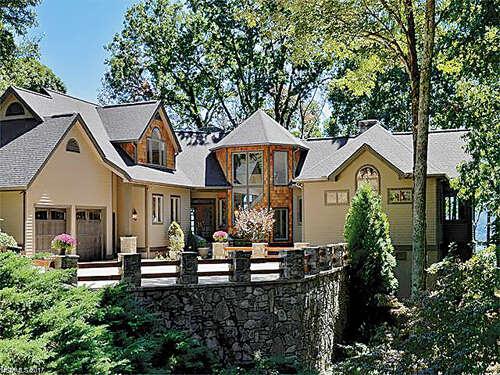 Single Family for Sale at 1054 Rocky Knob Road Waynesville, North Carolina 28786 United States