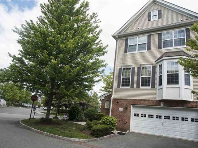 Single Family for Sale at 2 Carpenter Ct Jersey City, New Jersey 07305 United States