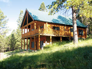 Featured Property in Newcastle, WY 82701
