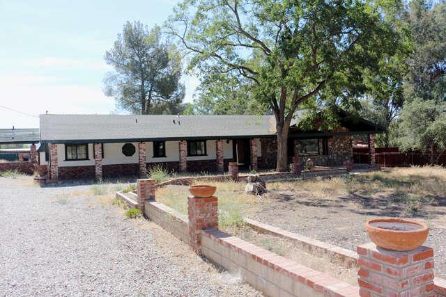 Single Family for Sale at 33206 Barber Road Santa Clarita, California 91390 United States