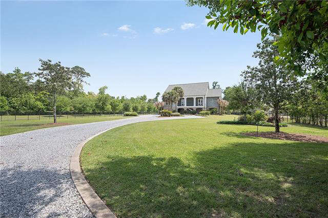 Single Family for Sale at 109 Holly Street Mandeville, Louisiana 70448 United States