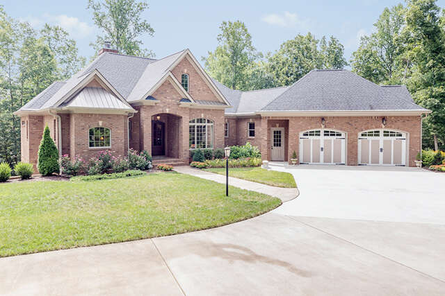 Single Family for Sale at 250 SW Geneve Ln Cleveland, Tennessee 37311 United States