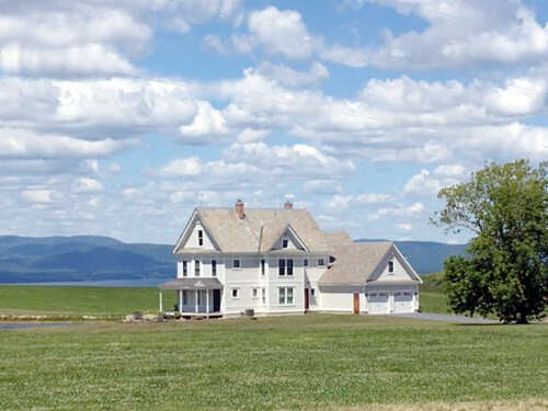 Single Family for Sale at 1046 Ethan Allen Highway Charlotte, Vermont 05445 United States