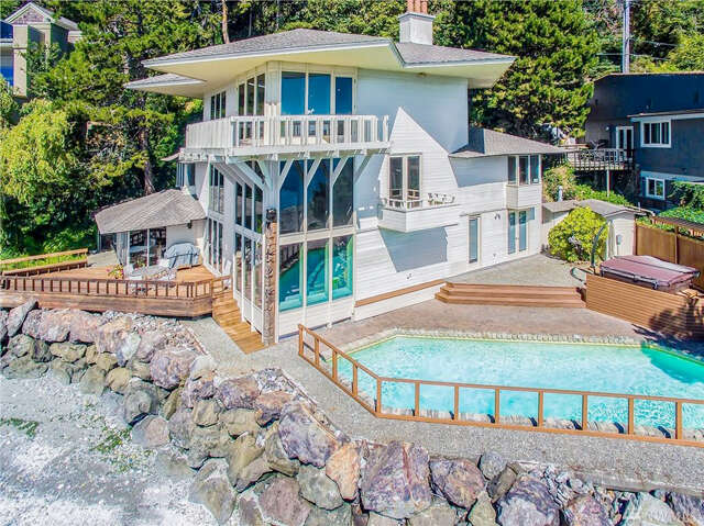 Single Family for Sale at 10861 Arroyo Beach Place SW Seattle, Washington 98146 United States