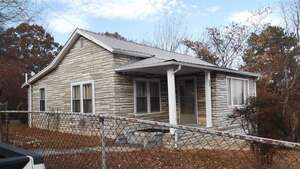 Featured Property in Lenoir City, TN 37771