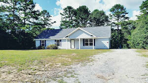 Featured Property in Garnett, SC 29922