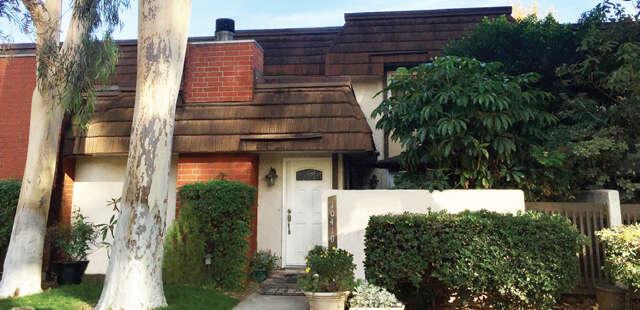 Condominium for Sale at 10410 Larwin Avenue Chatsworth, California 91311 United States