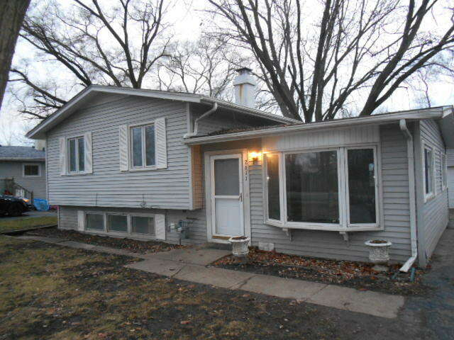 Real Estate for Sale, ListingId:62513921, location: 2611 Highwood Road McHenry 60051