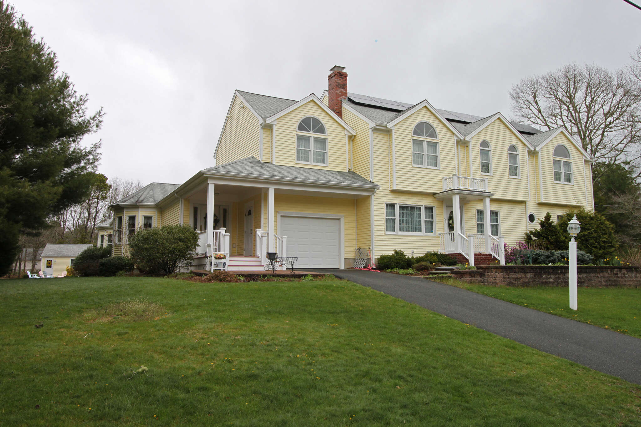 Single Family for Sale at 52 Lovells Road Cotuit, Massachusetts 02635 United States