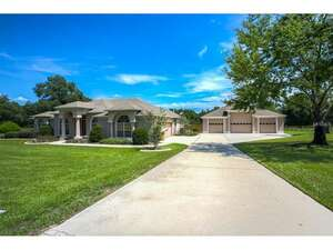 Featured Property in Umatilla, FL 32784