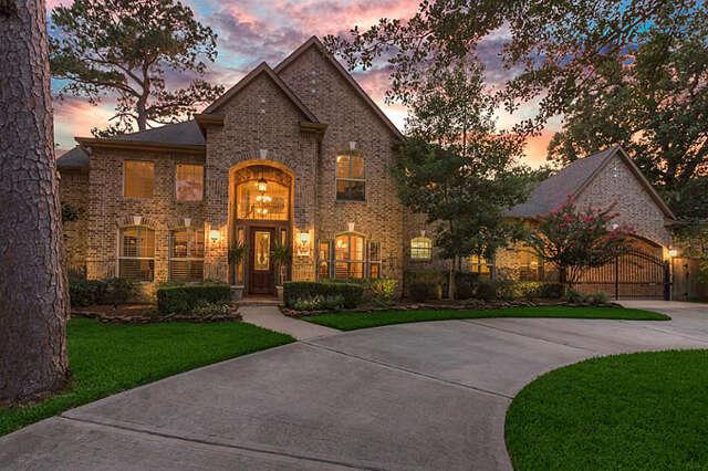 Single Family for Sale at 435 E Gaywood Drive Houston, Texas 77079 United States