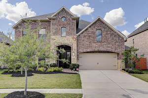 Featured Property in League City, TX 77573
