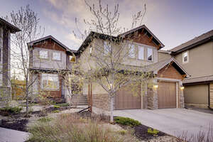 Featured Property in Calgary, AB T3H 0E9