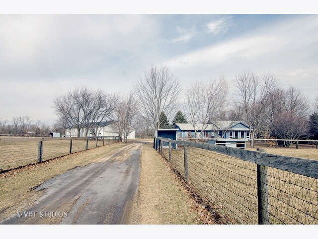 Single Family for Sale at 17n545 Big Timber Road Hampshire, Illinois 60140 United States