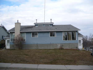 Featured Property in Ponoka, AB T4J 1B8