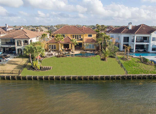 Single Family for Sale at 2929 N Island Drive Seabrook, Texas 77586 United States