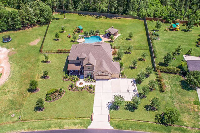 Single Family for Sale at 2719 Silverstone Conroe, Texas 77304 United States
