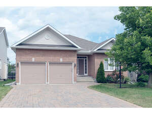 Featured Property in Stittsville, ON K2S 2A8