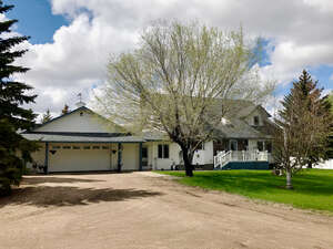 Featured Property in Leduc County, AB T4X 0P4