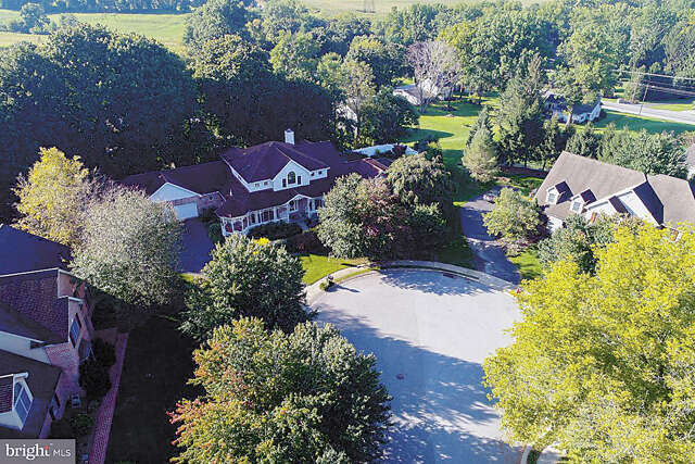 Single Family for Sale at 5 Clemens Circle Lancaster, Pennsylvania 17602 United States
