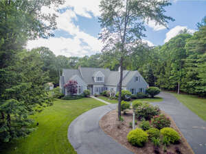 Featured Property in Rollinsford, NH 03869