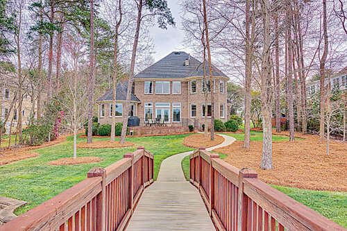Single Family for Sale at 128 Cedar Bluff Lane Mooresville, North Carolina 28117 United States
