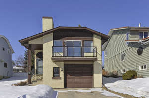 Featured Property in Calgary, AB T3A 2R6