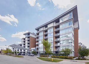 Featured Property in Edmonton, AB T6J 2X1