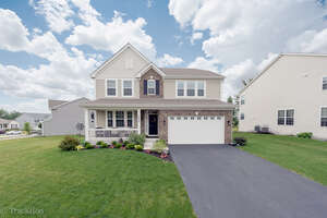 Featured Property in Pingree Grove, IL 60140