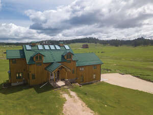 Featured Property in Custer, SD 57730