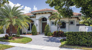 Featured Property in Lighthouse Point, FL 33064