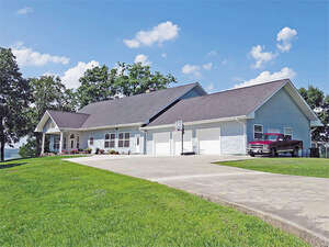 Featured Property in Dandridge, TN 37725