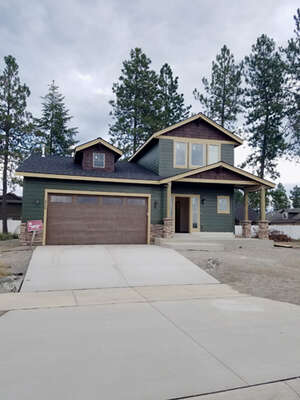 Featured Property in Hayden, ID