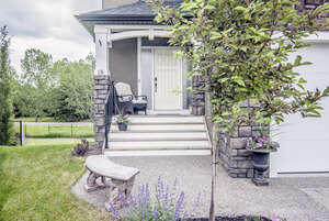 Featured Property in Okotoks, AB T1S 0G5