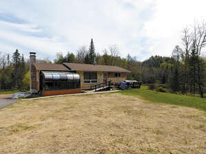 Featured Property in Grenville Sur la Rouge, QC J0V 1B0