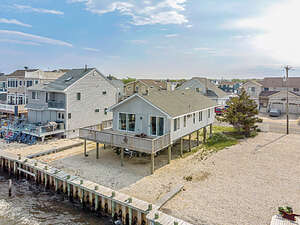 Featured Property in Barnegat, NJ 08005