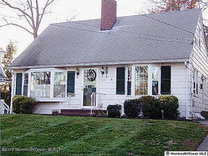 Featured Property in SPRING LAKE, NJ, 07762