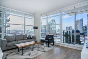 Featured Property in Calgary, AB T2G 1H7
