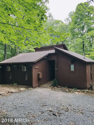 Featured Property in Berkeley Springs, WV 25411