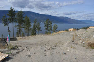 Featured Property in Kelowna, BC V1V 3G2