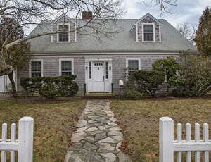 Real Estate for Sale, ListingId: 62867994, Hyannis MA  02601