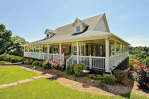 Featured Property in Silver Point, TN 38582