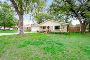 Featured Property in Hurst, TX 76053