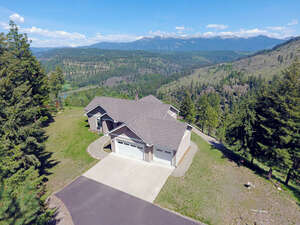 Featured Property in Moyie Springs, ID 83845