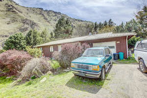 Featured Property in Riggins, ID 83549