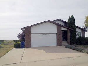 Featured Property in Assiniboia, SK S0H 0B0